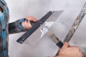 How to Choose the Right Stucco Repair Contractor