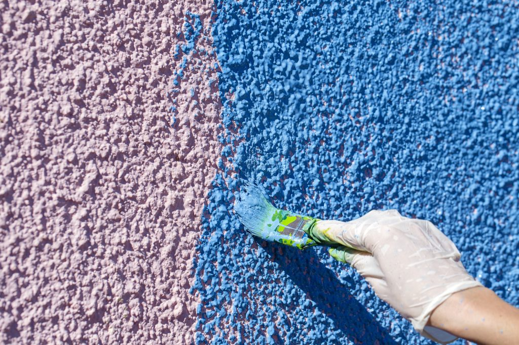 5 Reasons Why You Should Hire a Professional to Paint Your Stucco