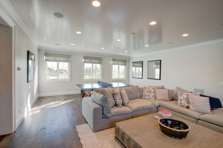 What's the Best Colour to Paint the Family Room? - Cal-Res Coatings - Residential Painters Calgary - Featured Image